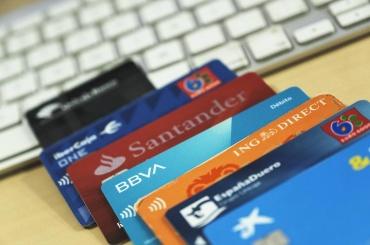 Tarjetas revolving: ¿la banca lo ha vuelto a hacer?